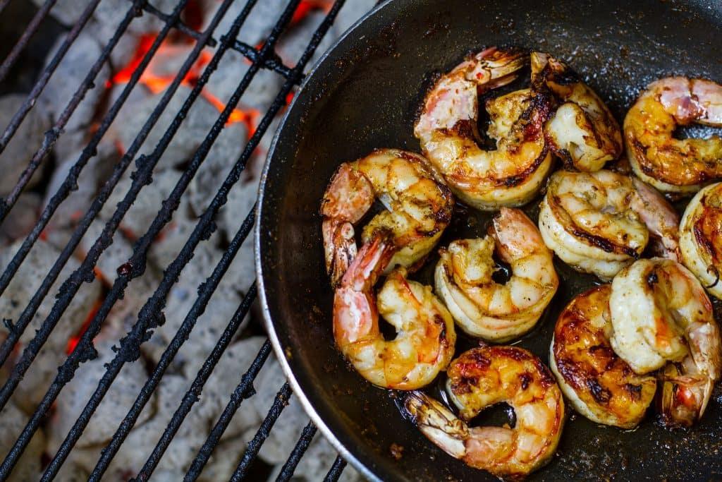 grillpfanne-mit-shrimps
